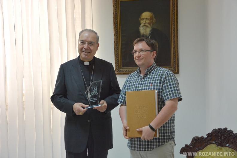 (Polski) V Wielka Księga Łask oraz nagroda za nasz pompejański film – już w Pompejach